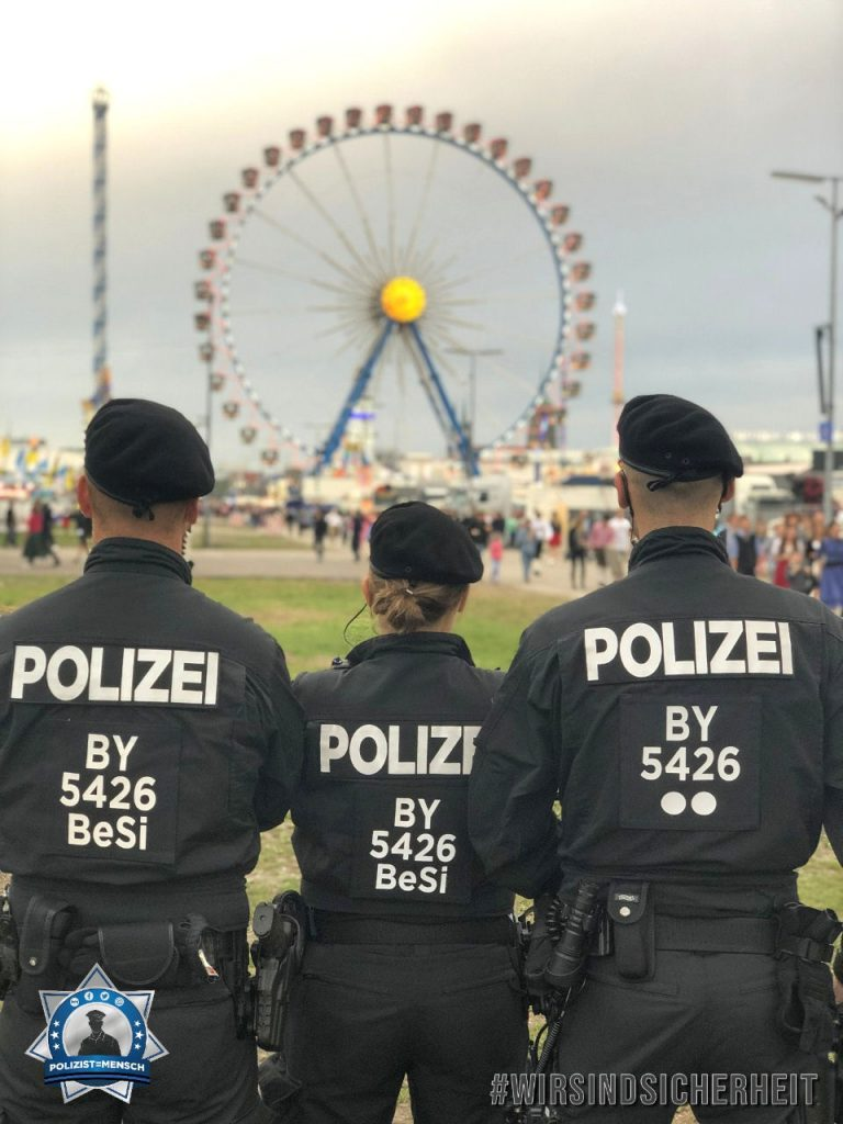 """""""Allen eingesetzten Kolleginnen und Kollegen wünschen wir einen verletzungsfreien und angenehmen Wiesn-Dienst! Grüße aus München von Deniz, Lisa und Daniel"""""""