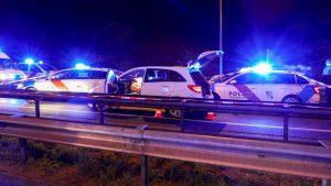 Verfolgungsfahrt nach Rotlichtverstoß: Streifenwagen gerammt, Polizist angefahren, Schusswaffengebrauch