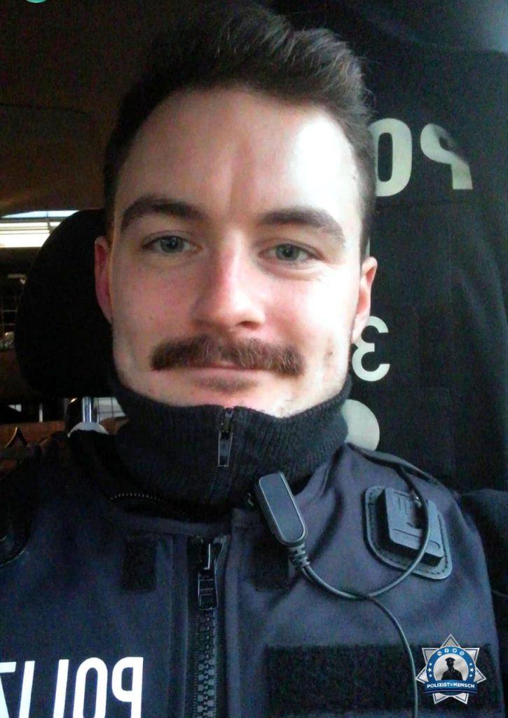 """""""Beste Grüße aus Mönchengladbach mit feinem Schnauzbart zum Movember! Witti"""""""
