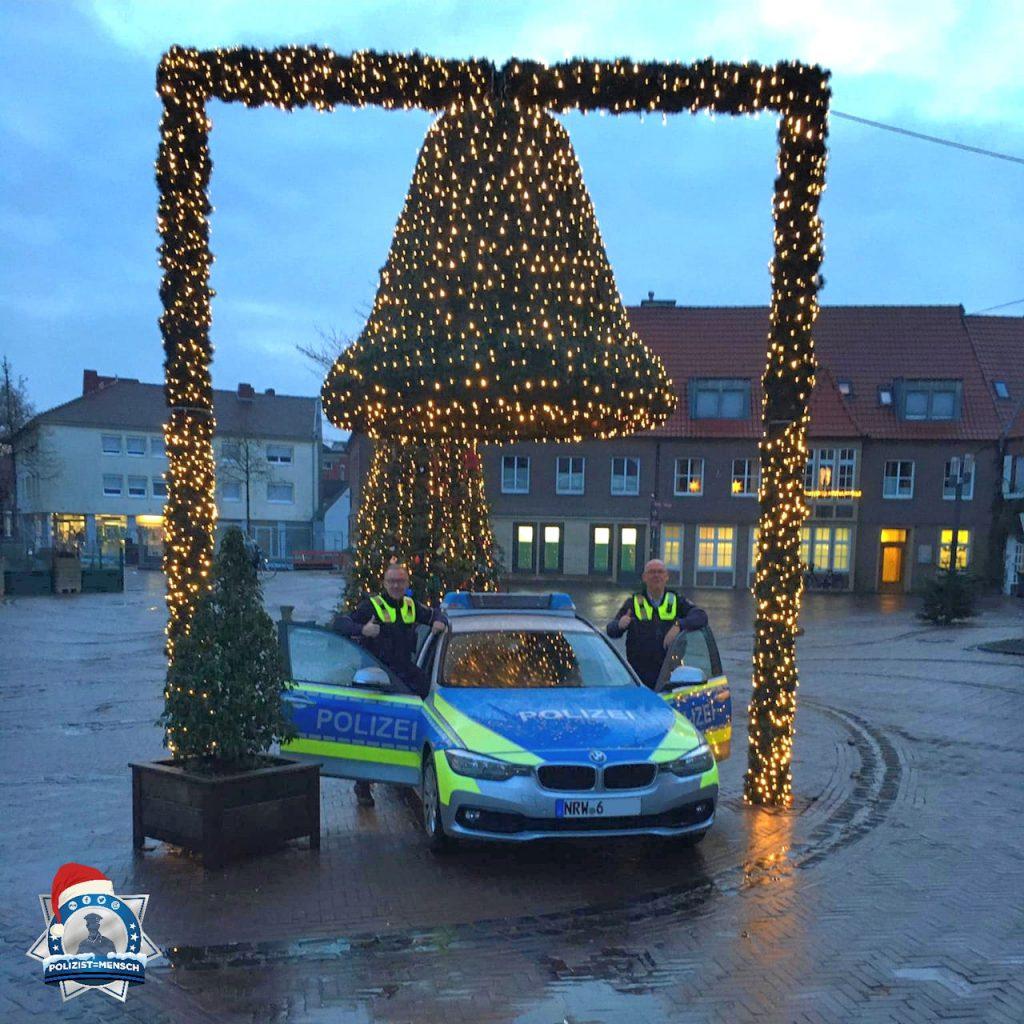 """""""Weihnachtliche Grüße aus der Stadt Vreden senden Euch Karsten und Kurti. Ruhige Weihnachtszeit und kommt alle gesund nach Hause!"""""""