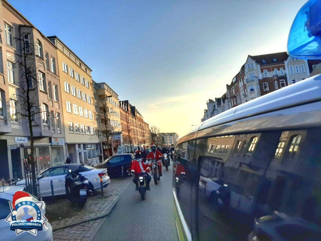 Schöner Einsatz: Begleitung von 450 Weihnachtsmännern auf Motorrädern durch Kiel