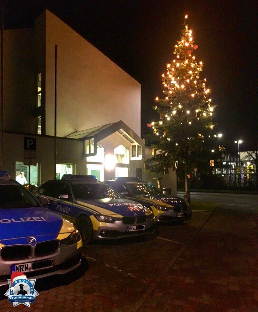 """""""Viele Grüße vom Nachtdienst aus Sankt Augustin. 🔵 Hier bleibt's noch etwas weihnachtlich. Marie"""""""