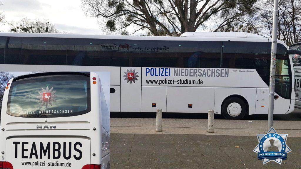 """""""Viele Grüße aus Hannover. Wir haben die Vereidigung der Studentinnen und Studenten begleitet. Willkommen im Team. Anja"""""""