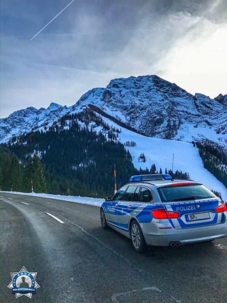 """""""Liebe Grüße aus Berchtesgaden von Alex und Kathrin. Andere machen hier Urlaub, wir arbeiten hier."""""""