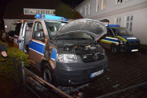 Streifenwagen der Polizei Oldenburg in Brand gesteckt