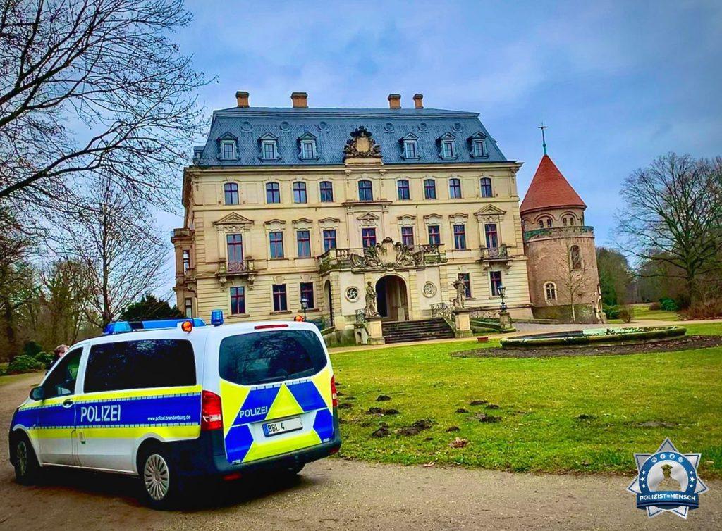 Viele liebe Grüße vom Schloss Altdöbern