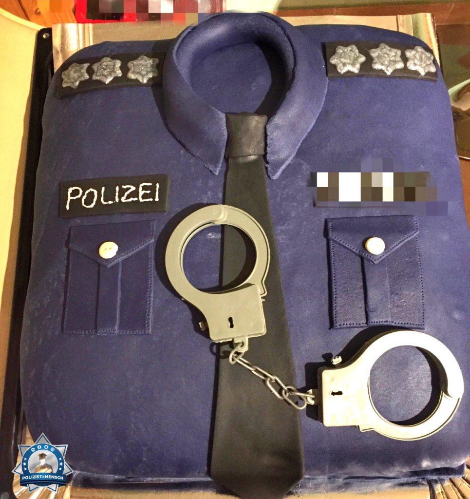 """""""Hey! Diese Torte hat mein Freund zum Geburtstag bekommen, schwer zu erkennen ist er selber Polizist 👮 Liebe Grüße, Celina"""""""