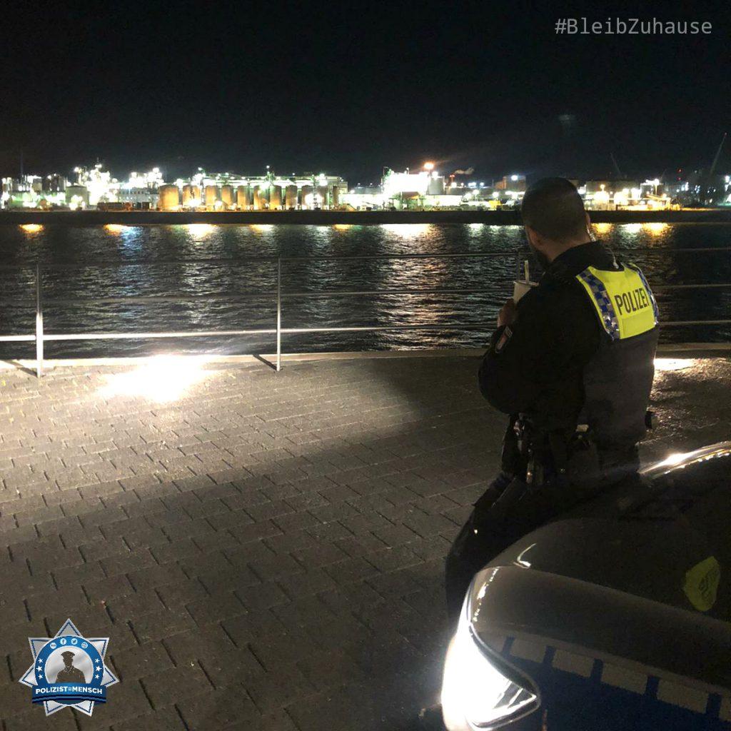 """""""Heimathafen Hamburg. Eine eher ungewöhnlich ruhige Samstagnacht. Bleibt alle gesund und haltet durch. Sergen"""""""