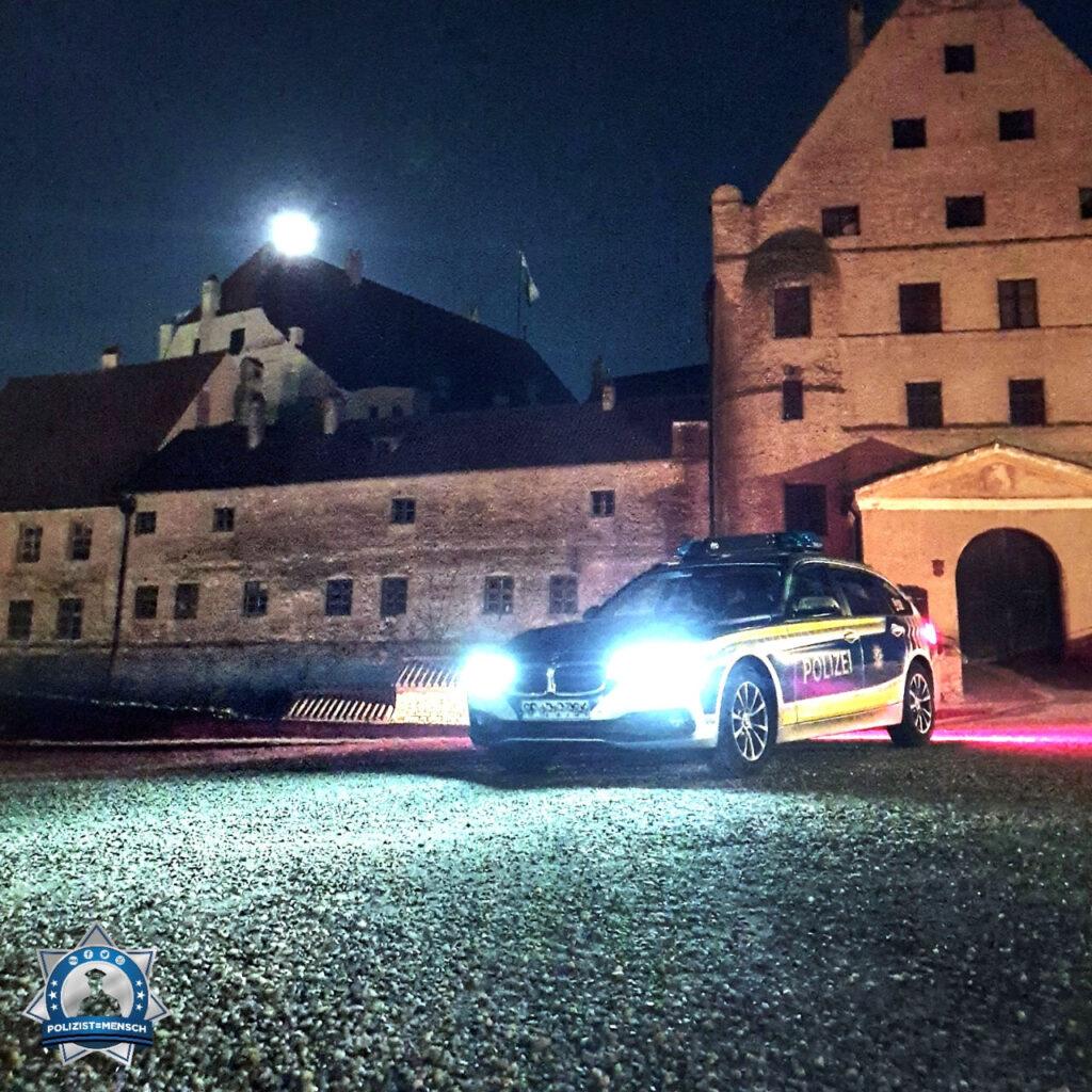 """""""Wir wünschen allen Kollegen weiterhin einen ruhigen Dienst und mögen alle Kollegen gesund nach Hause zu ihren Familien kommen. Liebe Grüße von der Polizei Landshut, hier vor der wunderschönen Burg Trausnitz, Tom"""""""