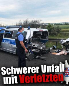 Absicherung eines Pannenfahrzeugs: Autofahrer fährt ungebremst in Streifenwagen - Mehrere Schwerverletzte