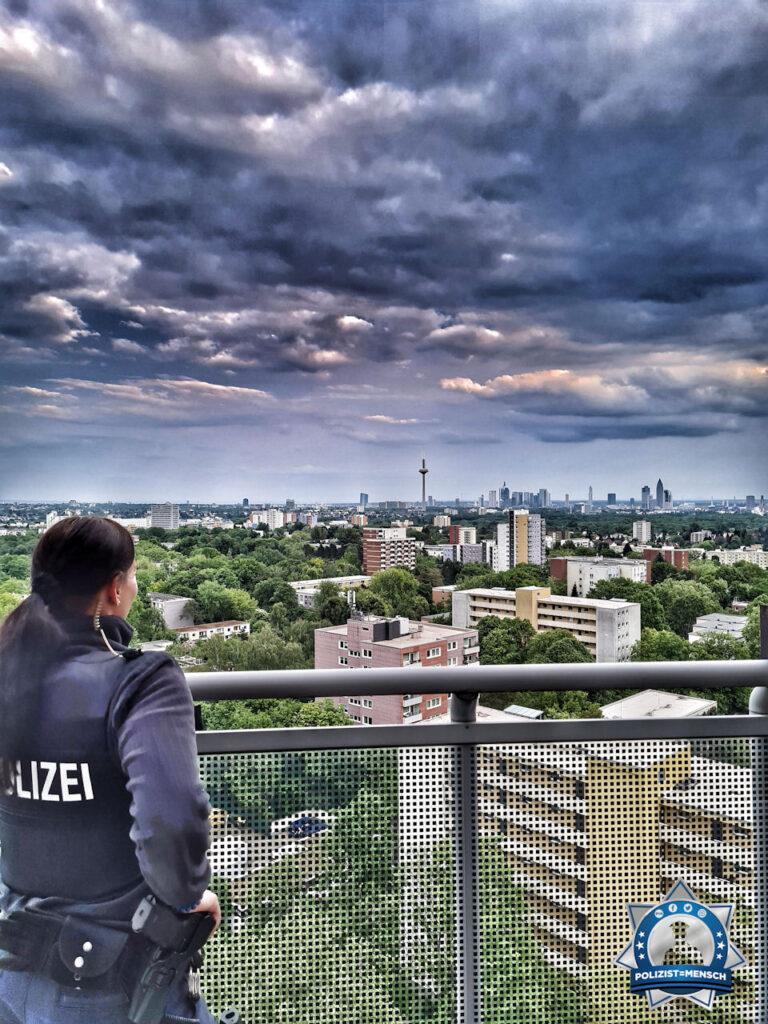 """""""Grüße aus Frankfurt am Main mit Blick auf die Skyline dieser schönen Stadt. Kommt alle gesund nach Hause. Kadda"""""""