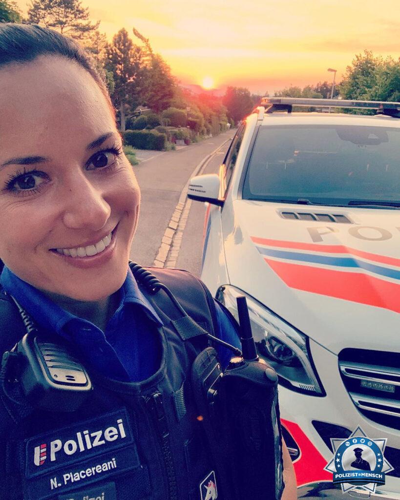 """""""Als Insta-Cop der Stadtpolizei Uster (Kanton Zürich 🔵 ) zeige ich euch, was mein Polizeialltag mit sich bringt. Ich freue mich über Inputs, Kommentare und Fragen 😎 Nadia"""""""