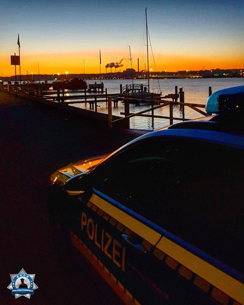 """""""Einen wunderschönen guten Morgen aus dem Nachtdienst in Kiel! Unsere Nacht war ruhig. Wir hoffen, dass eurer Tag auch ruhig bleibt! Passt auf Euch auf! W. und R."""""""