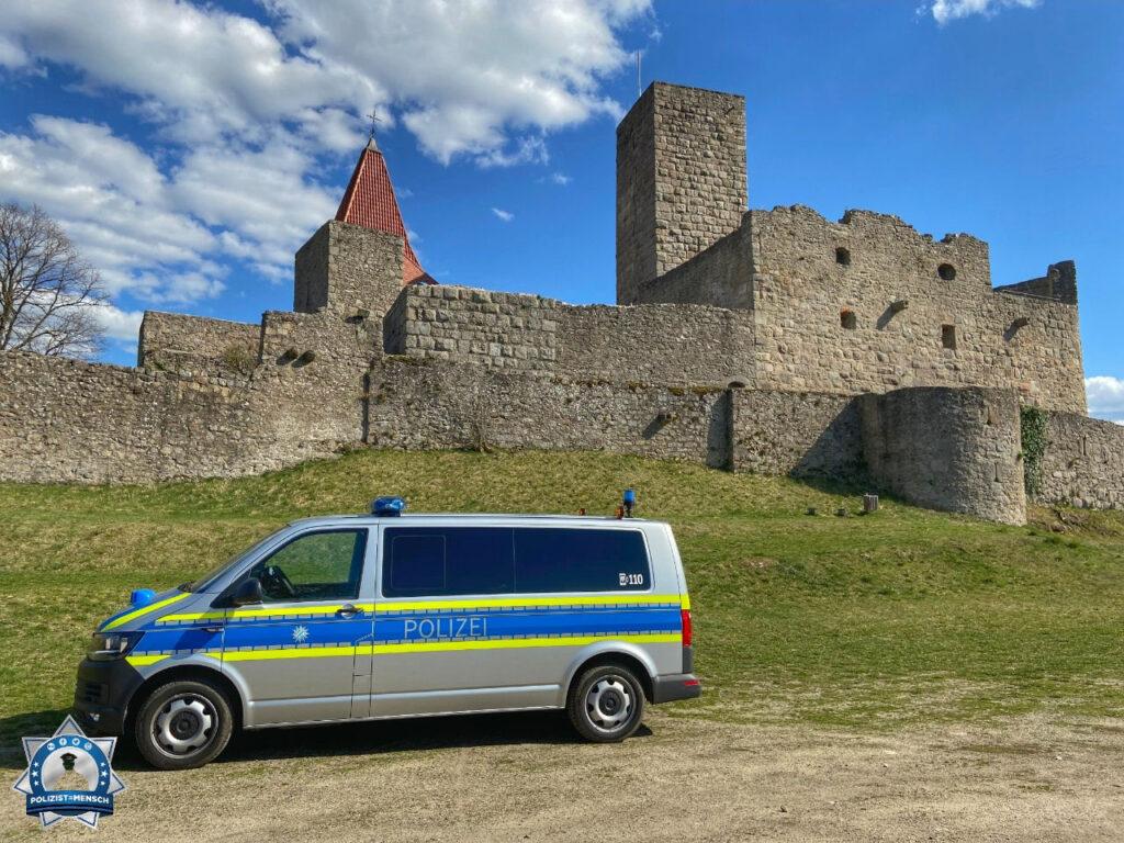 """""""Viele Grüße aus Weiden in der Oberpfalz! Theresia und Fabian"""""""