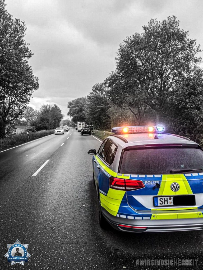 """""""Kommt alle gesund nach Hause! Grüße aus der Polizeidirektion Kiel. Marek"""""""