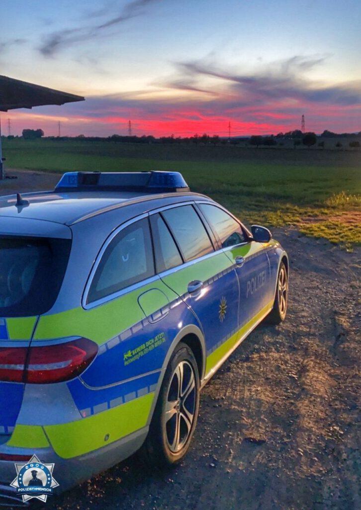 """""""Ganz liebe Grüße von der Verkehrspolizeiinspektion Ludwigsburg. Wir wünschen euch einen ruhigen Nachtdienst. Corina + Basti"""""""