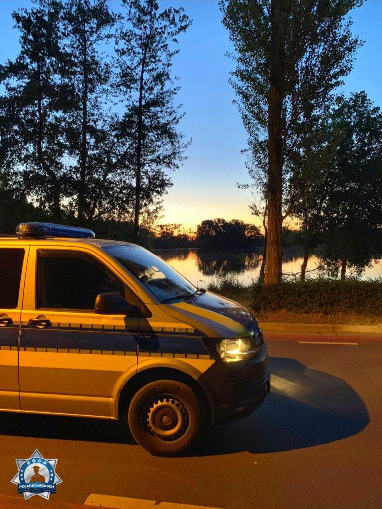 """""""Grüße aus dem Nachtdienst aus Braunschweig (Niedersachsen). Take care ✌"""""""