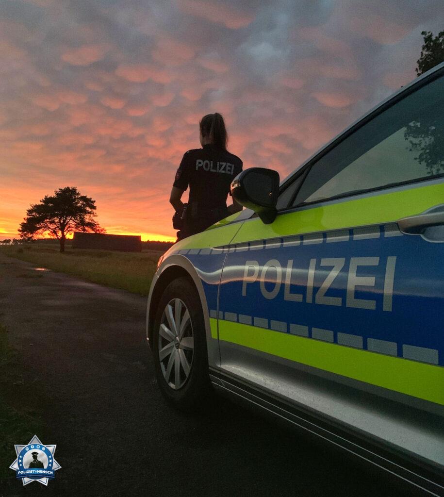 """""""Liebe Grüße aus dem Nachtdienst aus Sögel (Polizei Emsland). Marie 😊 """""""