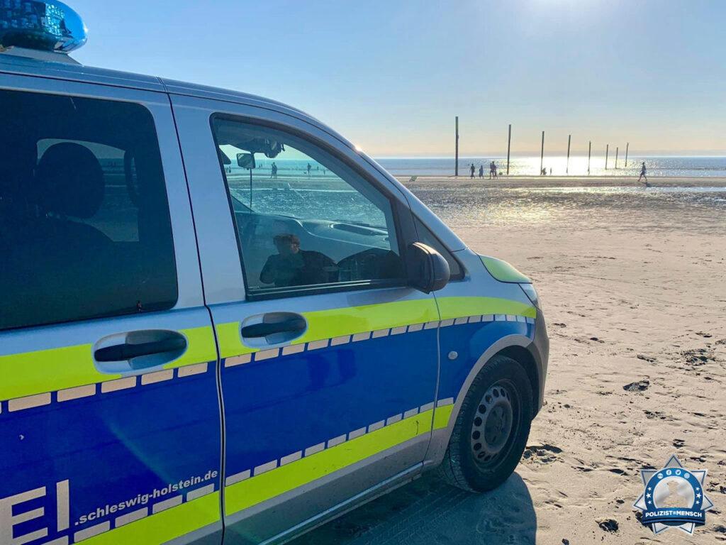 """""""Hitzige Grüße vom Strand in St. Peter-Ording. Haltet durch und passt auf euch auf! Hauke"""""""