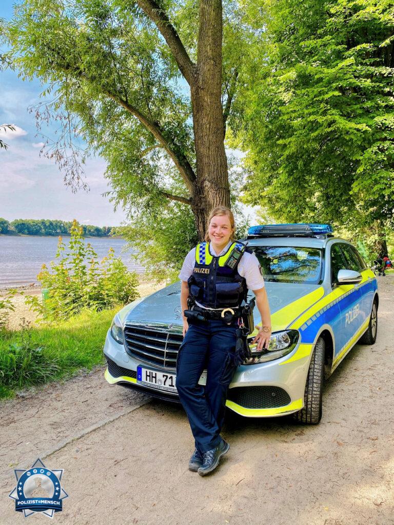 """""""Liebe Grüße von der Wasserschutzpolizei aus Hamburg. Bleibt alle gesund! Eure Janina"""""""