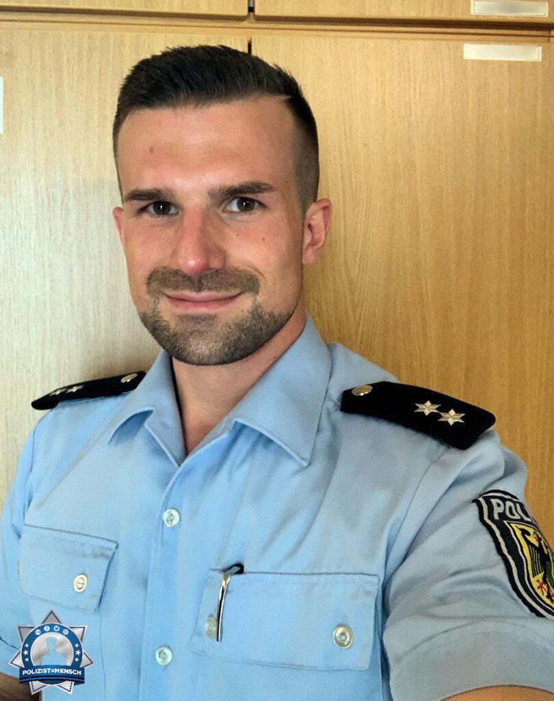 """""""Mein Name ist Marcel und ich bin Angehöriger der Bundespolizeiinspektion Aachen. Auf gehts in den Spätdienst. Ich wünsche allen Kolleginnen und Kollegen eine schöne Woche - bleibt gesund! Euer Marcel"""""""