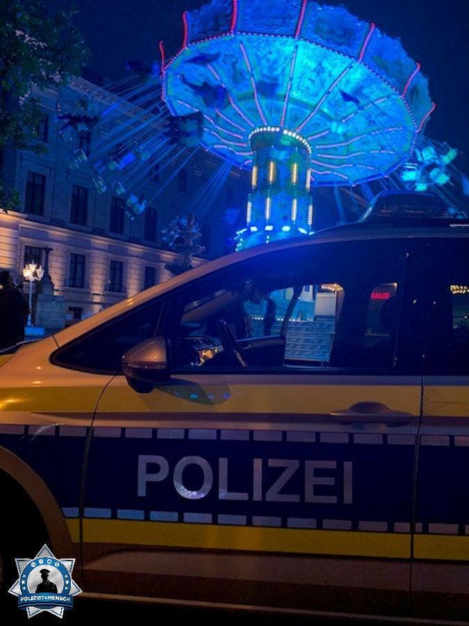 """""""Grüße aus dem Nachtdienst in der Braunschweiger Innenstadt von Tobi & Robi."""""""