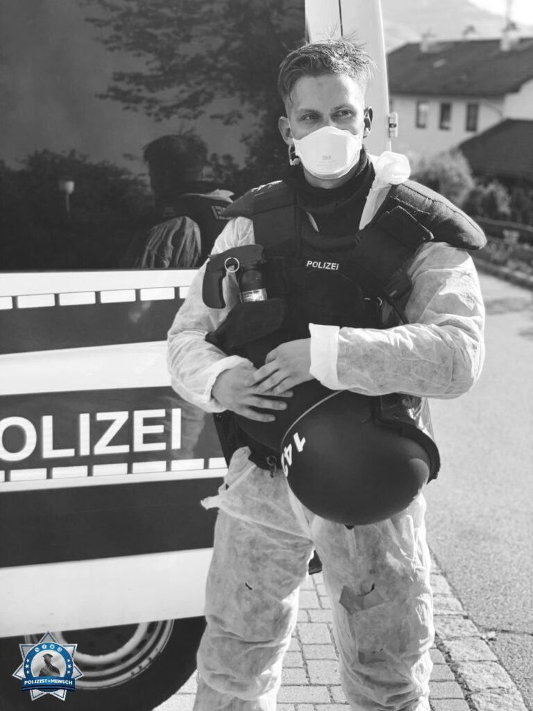 """""""Grüße aus München, Leute stay safe! Erik"""""""