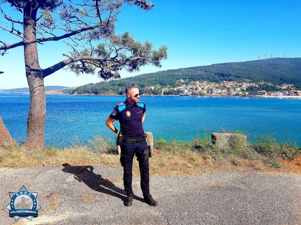 """""""Grüße von der Policía Local, Galicia, José"""""""
