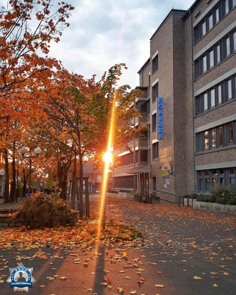 """""""Lieben Gruß an die Polizisten in Hamburg Billstedt. Geraldine"""""""