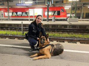 Ein Herz für Fellnasen: Polizistin nimmt Fundhund bei sich auf