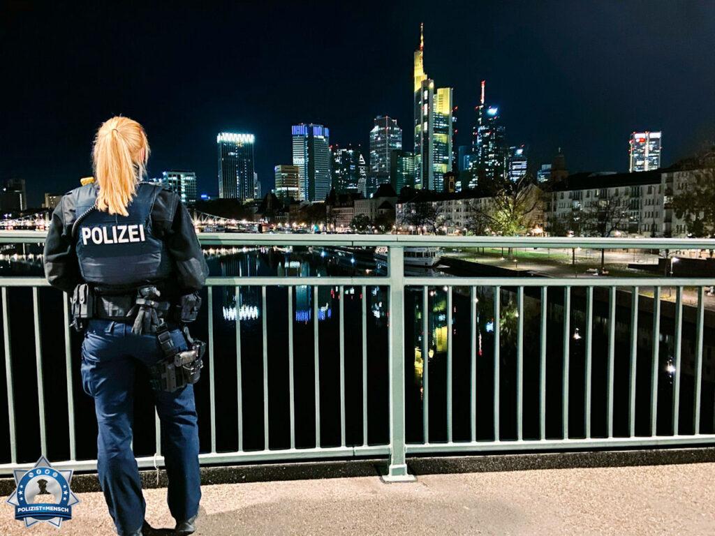 """""""Liebe Grüße von der Nachtschicht aus Frankfurt vom 13. Polizeirevier 🙂"""""""