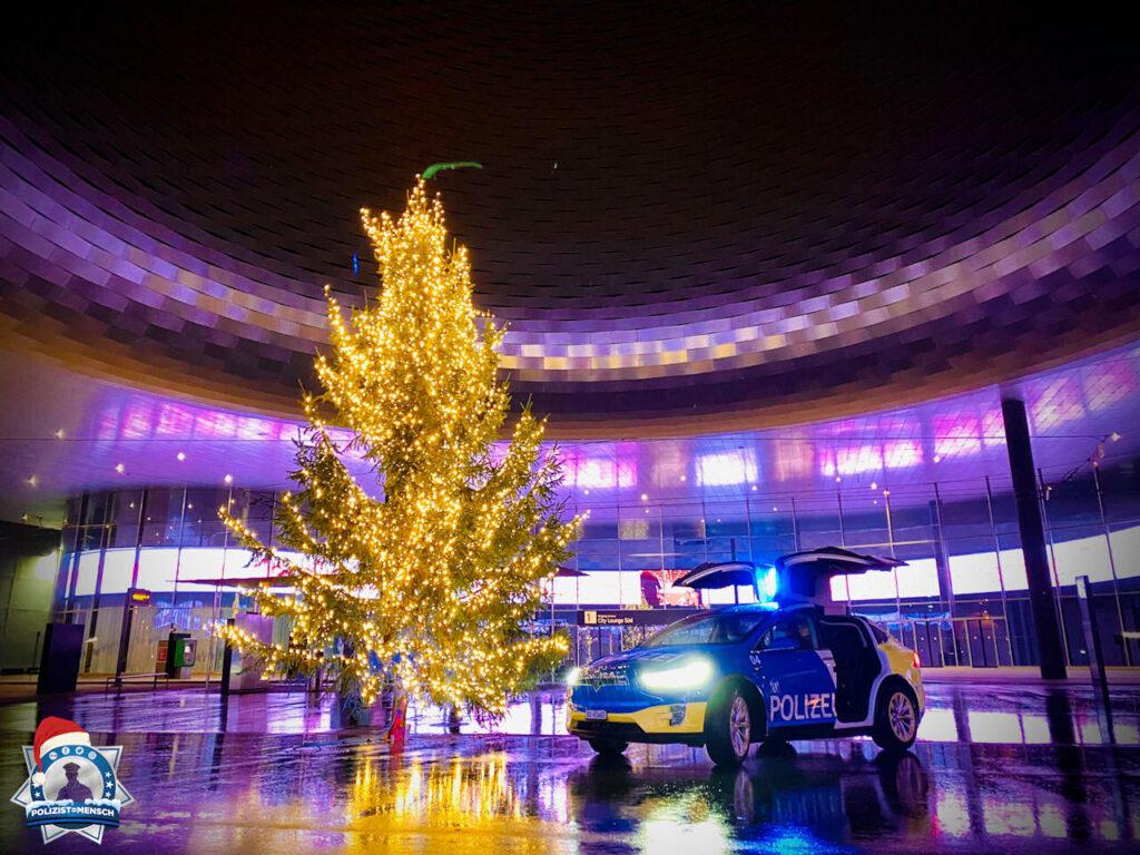 """""""Eine schöne Weihnachtszeit, bleibt gesund und liebe Grüsse vom Alarmpikett 4 der Kantonspolizei Basel-Stadt"""""""