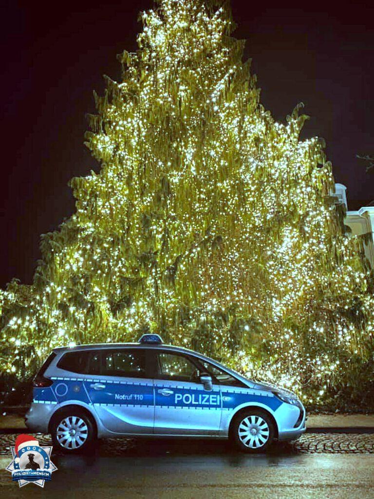 """""""Liebe Weihnachtsgrüße aus dem wunderschönen HESSEN! Bleibt weiterhin alle gesund...."""""""