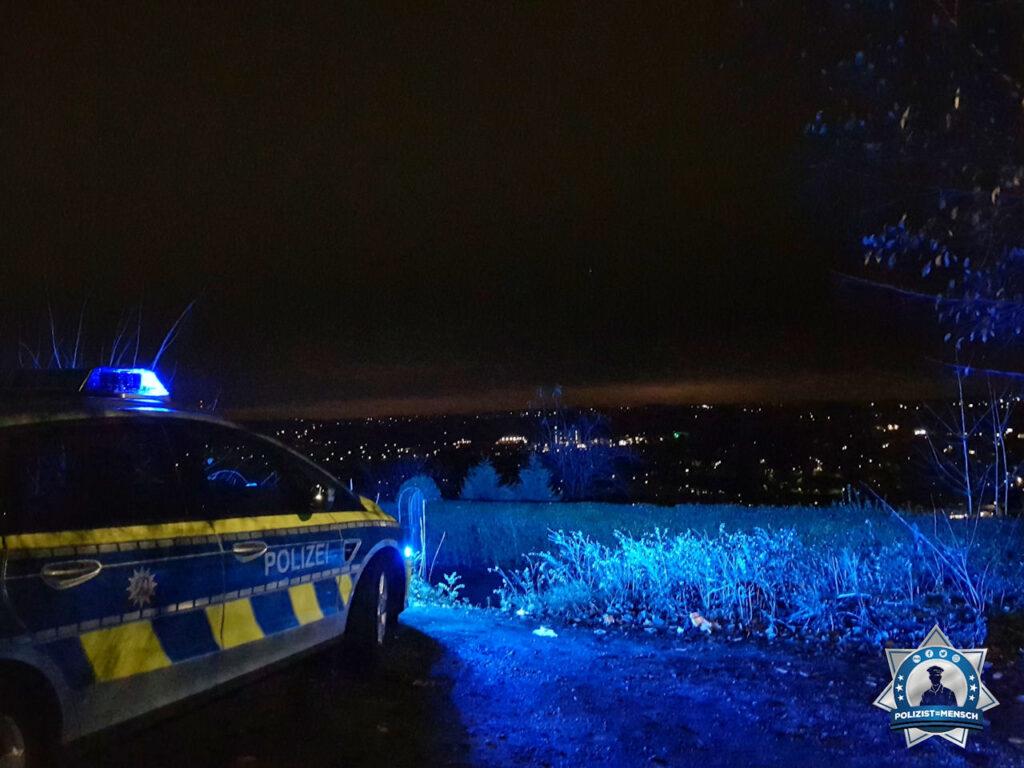 """""""Liebe Grüße aus dem schönen Wuppertal bei Nacht von Hotte und Jessi!"""""""