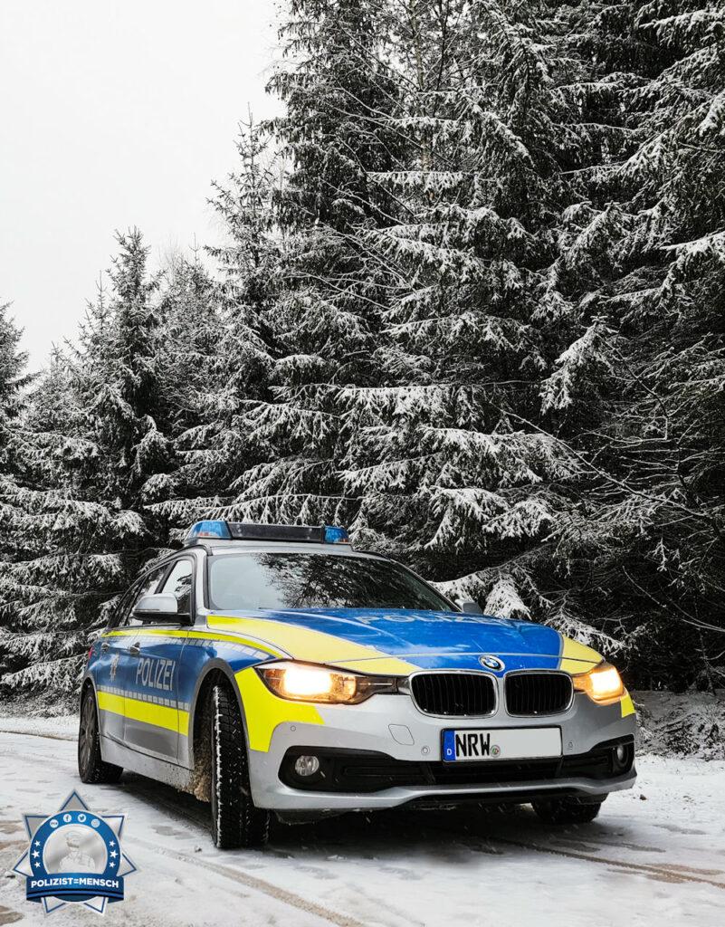 """""""Und weiter mit den Schneefotos! Diesmal liebe Grüße aus dem verschneitem Lippe. Fahrt vorsichtig und gehabt euch warm! Momo"""""""