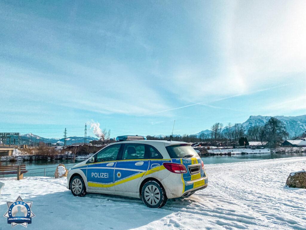 """""""Liebste Wintergrüße von der Bundespolizeiinspektion Freilassing."""""""