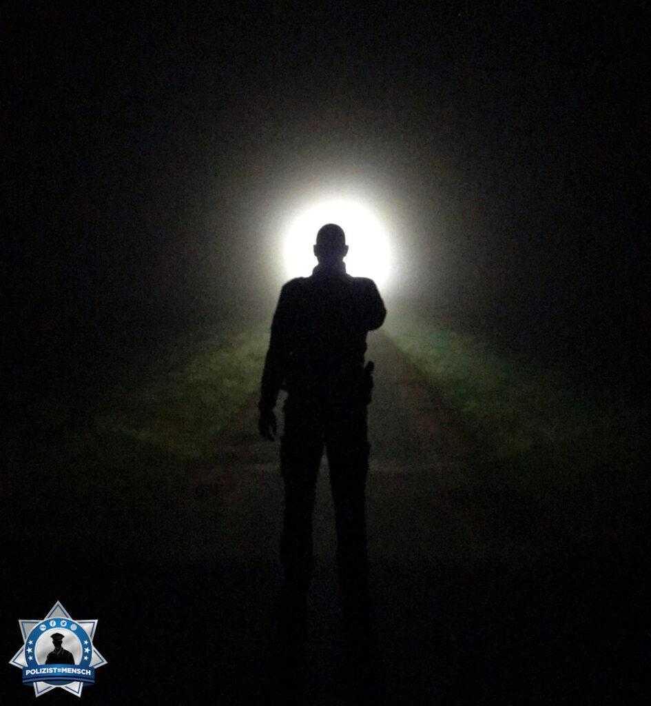 """""""Moin und liebe Grüße aus der Lüneburger Nordheide, der Polizei Harburg. Ein kleiner Schnappschuss aus dem Nachtdienst! Passt auf Euch auf, Carsten."""""""
