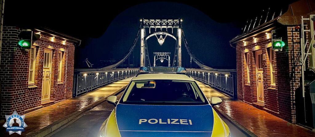 """""""Liebstes Polizist=Mensch-Team, liebe Kollegen, ein Gruß aus Wilhelmshaven an alle Kollegen, besonders an die Berta-14 aus Bremen und die DA2 in Wilhelmshaven."""""""