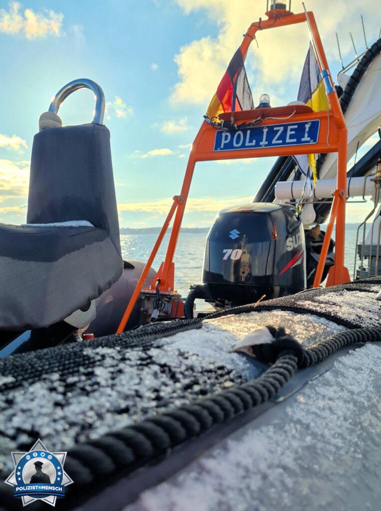 Auch wenn das Schlauchboot an Oberdeck etwas eisig aussieht, ist es für den Einsatzfall immer seeklar