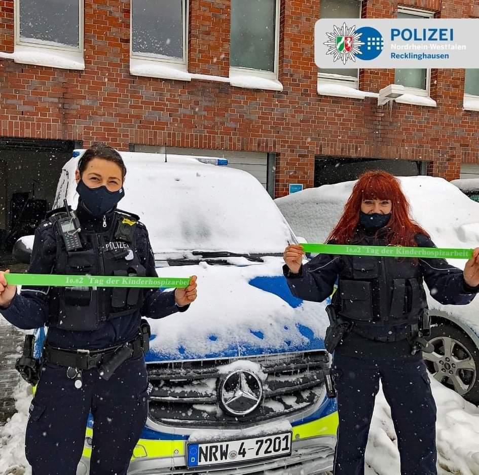 """""""Heute ist Tag der Kinderhospizarbeit, wir in Recklinghausen erklären uns solidarisch... Olivia und Sonja"""""""