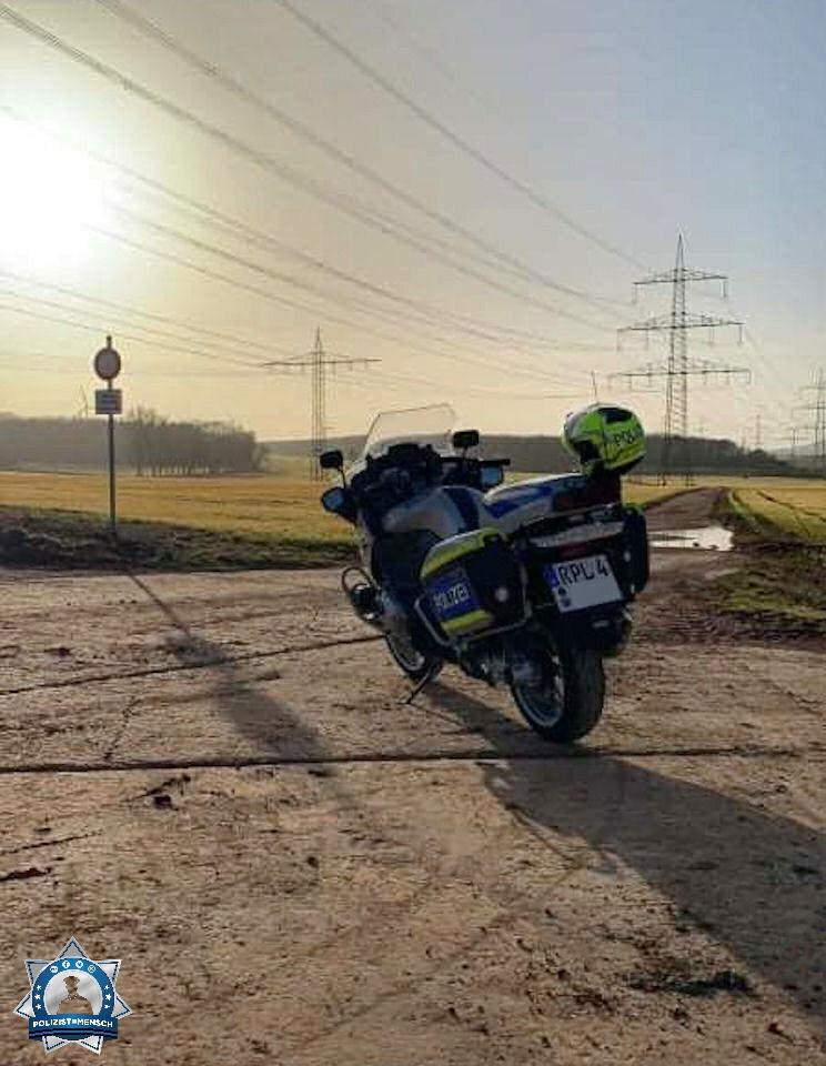 """""""Grüße aus dem Spätdienst von der Polizei Kirchheimbolanden aus dem sonnigen Rheinland-Pfalz, André"""""""