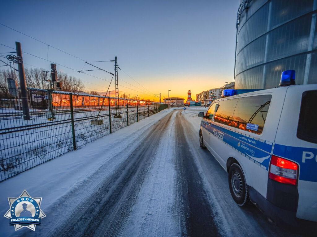 """""""Winterliche Grüße aus dem verschneiten Warnemünde. Bleibt gesund! Steffen"""""""