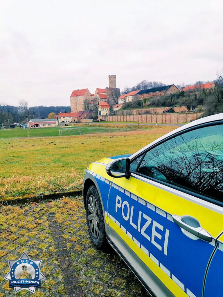 """""""Liebe Grüße aus dem Kohrener Land der Polizeidirektion Leipzig, hier vor der Burg Gnandstein 😊 Julia"""""""
