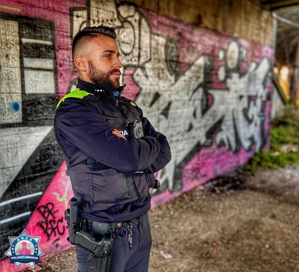 """""""Grüße von der Policia Local aus Katalonien (Spanien), Ivan"""""""