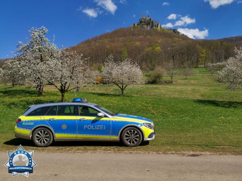 """""""Hallo 🙂 direkt vor der Burg Reußenstein in Neidlingen. Wir wünschen euch natürlich frohe Ostern und bleibt gesund! Liebe Grüße aus dem wunderschönen Baden-Württemberg, Berthold und Benni"""""""