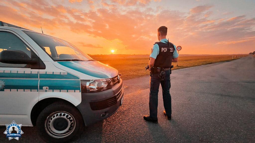"""""""Schöne Grüße aus der Nachtschicht von der Vorfeldstreife am Hamburger Flughafen, Christian"""""""