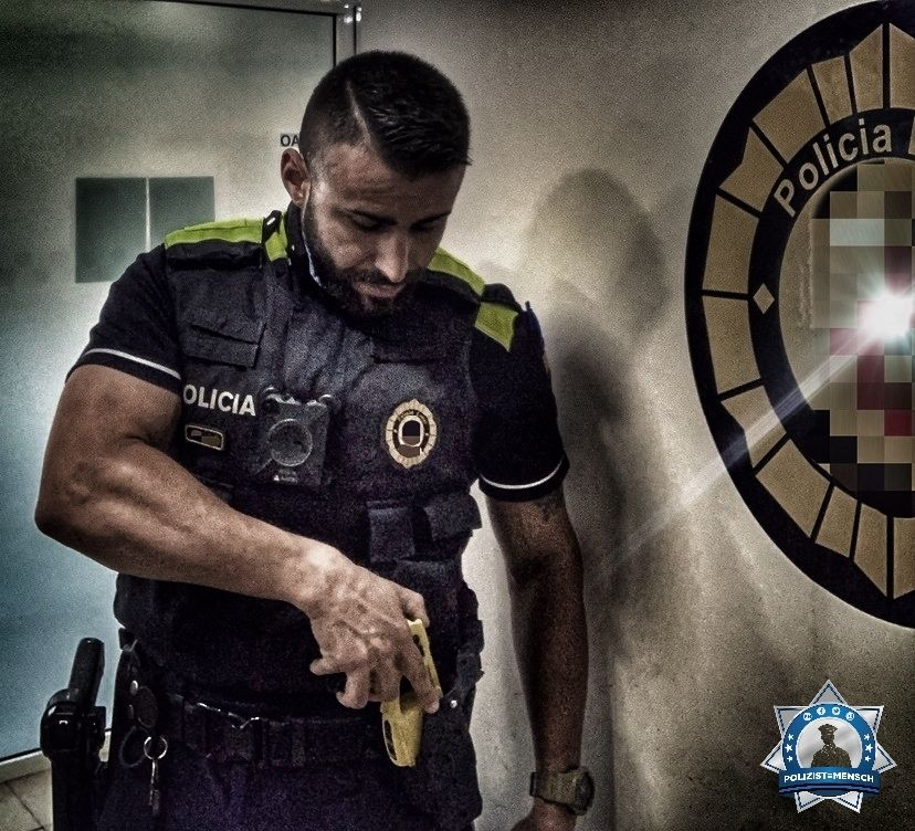 """""""Grüße aus Katalonien (Spanien) von der Policia Local, Ivan"""""""