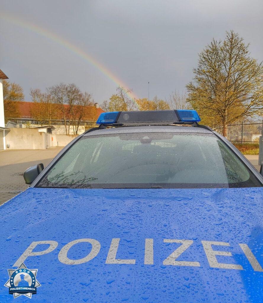 """""""Hallo liebes Polizist=Mensch Team, der Regenbogen hat den Streifenwagen gefunden 🙂 Grüße von Max von der Verkehrspolizeiinspektion Ingolstadt."""""""