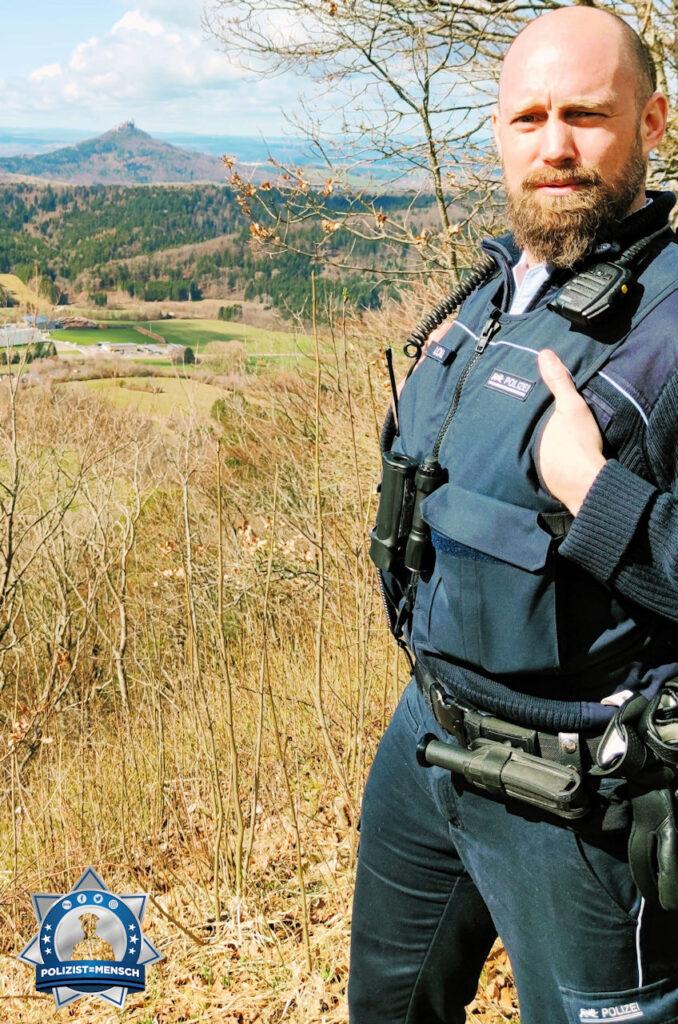 """""""Hallo, viele Grüße vom Polizeirevier Hechingen. Im Hintergrund die Burg Hohenzollern. Macht weiter so! Beste Grüße aus dem Zollernalbkreis, Patrick"""""""