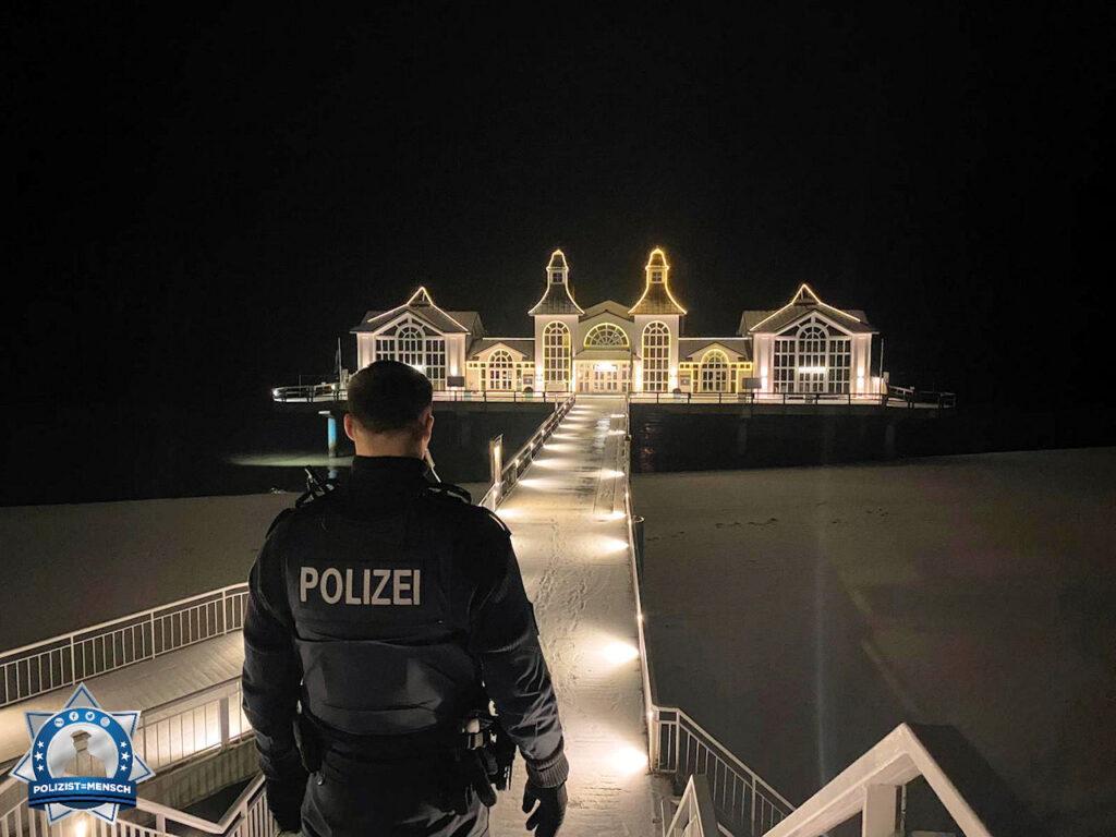 """""""Moin liebes Team, schöne Grüße von der schönen Insel Rügen vom Polizeirevier Sassnitz."""""""